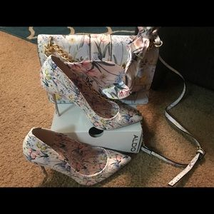 Also shoes with matching purse